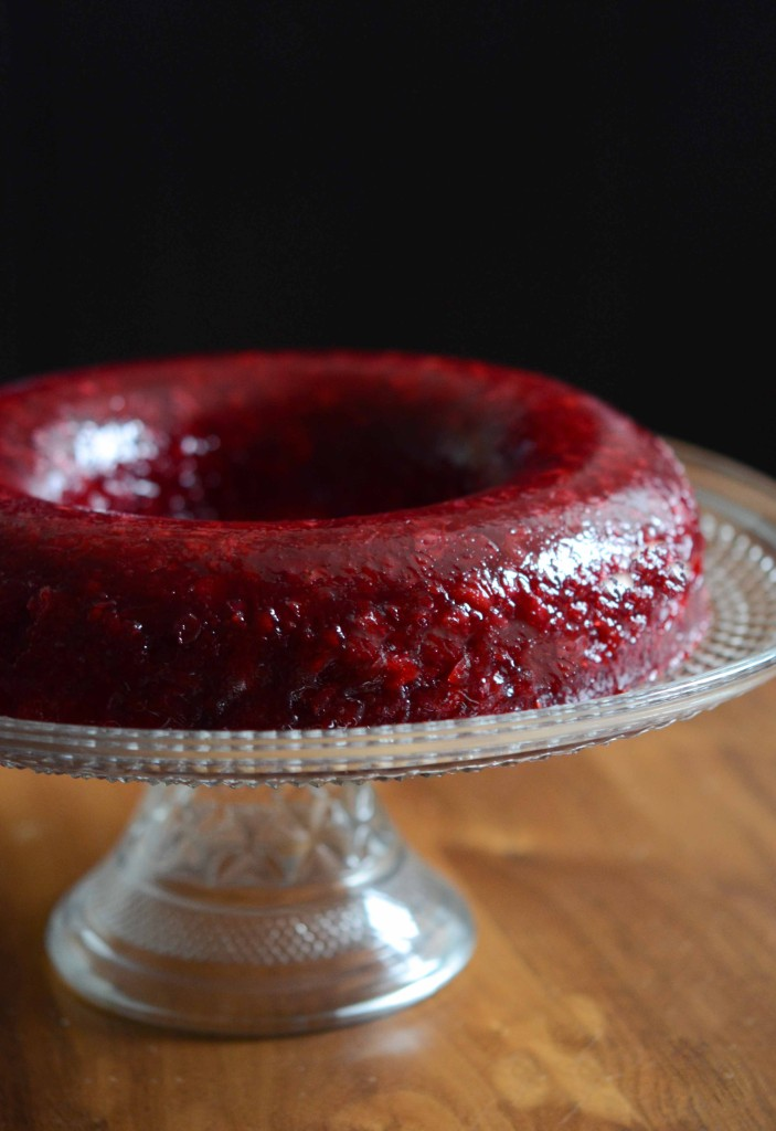 Spiced Fresh Cranberry Mold
